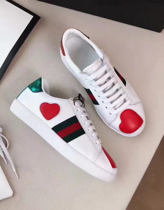97fa77e01c3f GUCCI WHITE HEART SNEAKER Gucci